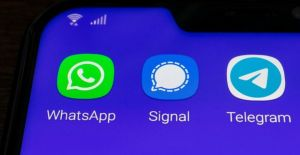 WhatsApp, Telegram, Signal… Hangisine,...